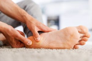 Dr Matthew Hutchinson treats a patient with Plantar Fasciitis